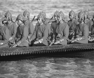 Royal barge oarsmen Fine Art Print by Anonymous