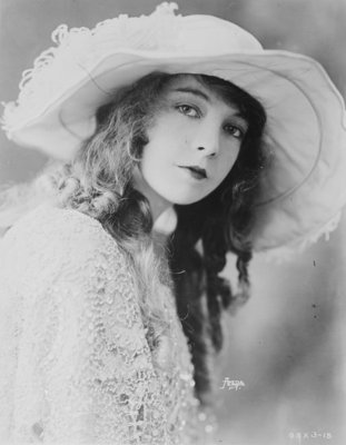Lillian Gish, 1921 (b/w photo) Fine Art Print by American Photographer