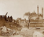 The Battery near the Begum Kotee, Lucknow Fine Art Print by Felice Beato