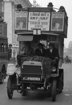 Buses driven by volunteers in Oxford Street during the 10th day of the General Strike Wall Art & Canvas Prints by Staff