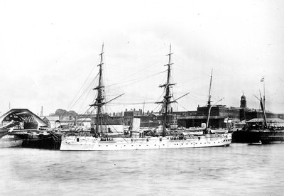 Photograph of HMS 'Dido' by unknown - print