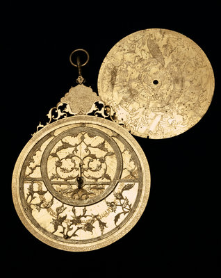 Astrolabe: obverse and plate by Muhammad Mahdi al-Yazdi - print