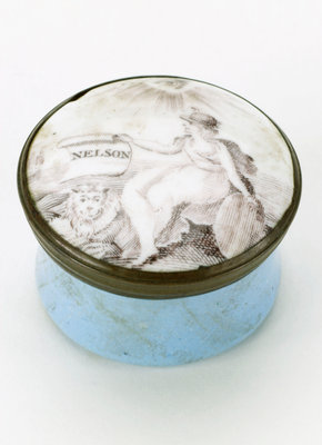 Round patch box commemorating Vice-Admiral Horatio Nelson (1758-1805) by unknown - print