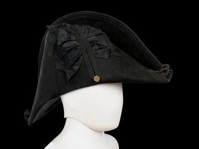 Cocked hat, Royal Naval uniform: pattern 1825 by unknown - print