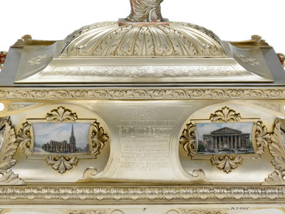 Freedom casket presented to Admiral of the Fleet Sir David Beatty, 1st Earl Beatty (1871-1936) by the City of Bristol, 23 October 1919 by T. & J. Bragg Ltd. - print