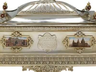 Freedom casket presented to Admiral of the Fleet Sir David Beatty, 1st Earl Beatty (1871-1936) by the Worshipful Company of Leathersellers 28 October 1919 by Mappin & Webb - print