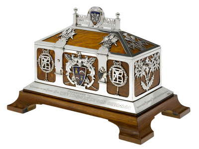 Freedom casket presented to Admiral of the Fleet Sir David Beatty, 1st Earl Beatty (1871-1936) by the City of Dunfermline, 13 September 1919 by unknown - print