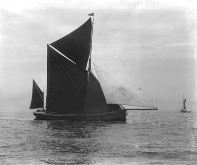 Sailing barge 'Verona' (Br, 1905) under sail by unknown - print