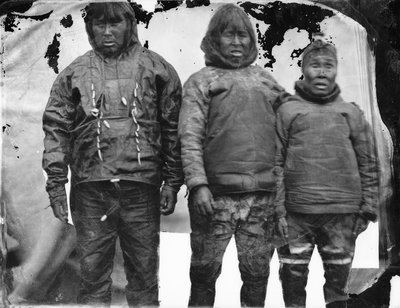 Portrait of Inuit group by Edward Augustus Inglefield - print
