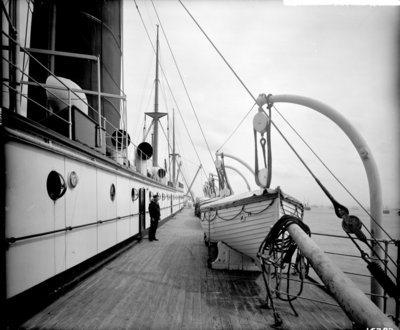 Boat Deck on the 'Saxonia' (1900) by Bedford Lemere & Co. - print