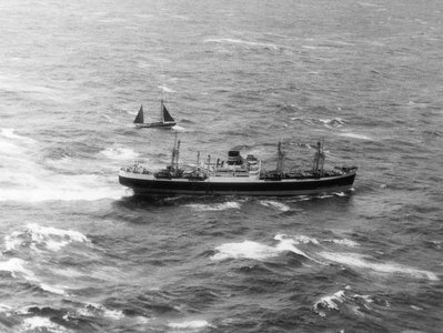 Photo number 6: Photograph of the rescue of the 'Moyana' by the 'Clan Maclean' by unknown - print