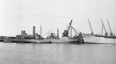 General cargo, short sea, motor vessel 'Underwood' (1941) at quayside in Avonmouth by unknown - print