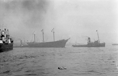 The clipper ship 'Cutty Sark' (1869) being towed from the East India Dock to Greenwich by the tug 'Gondia' (1927) by unknown - print