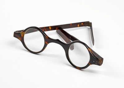 Joseph Priestley's spectacles by Anonymous - print